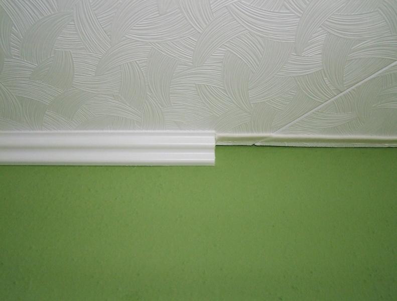 lepení lišt na strop